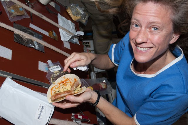 what do astronauts eat in space for breakfast - photo #11