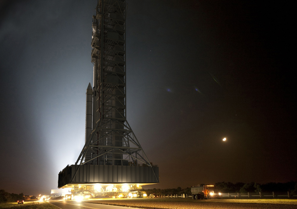Artist's concept of the roll-out of the first SLS to the launch pad