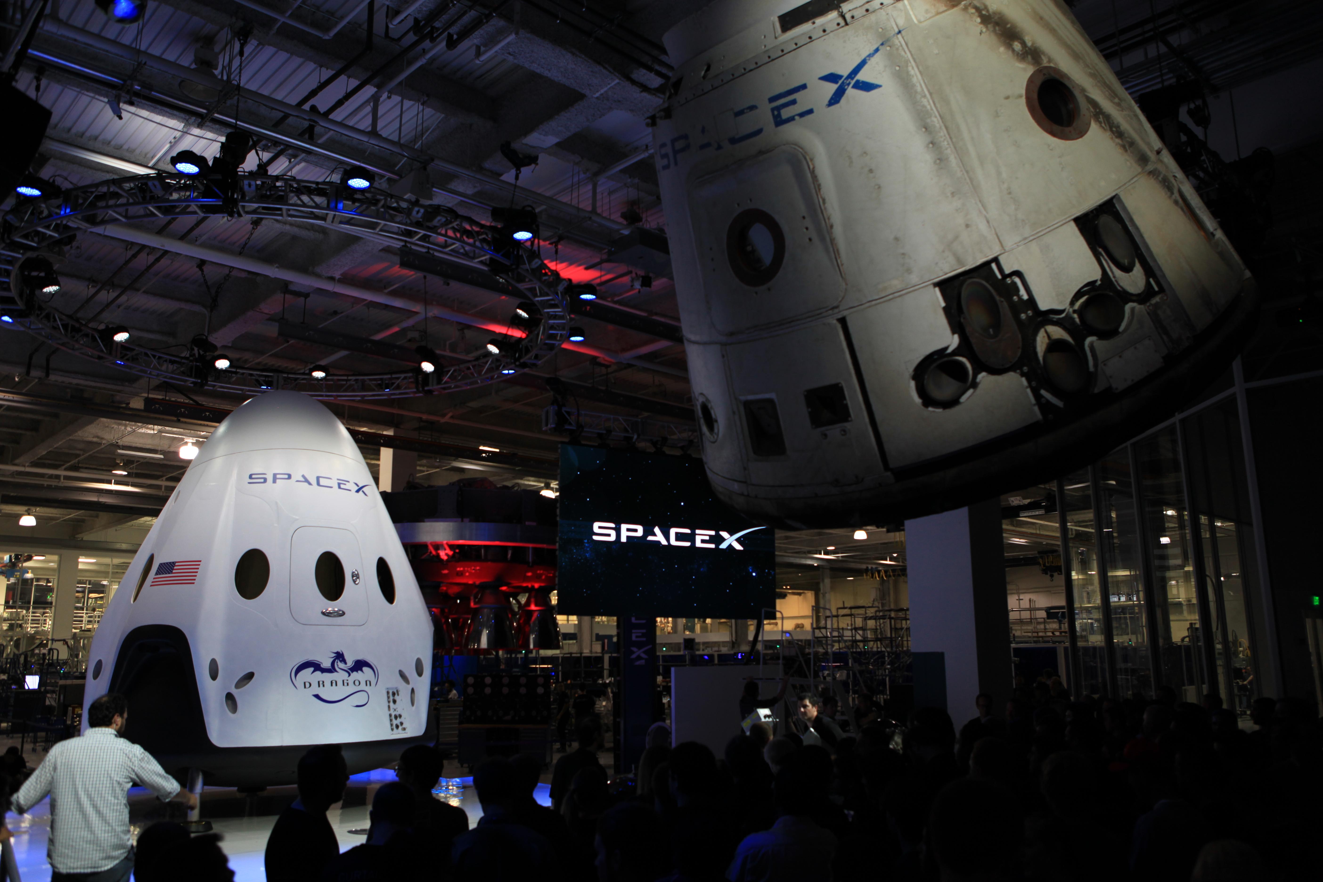 SpaceX Unveils Dragon V2 – Commercial Crew Program