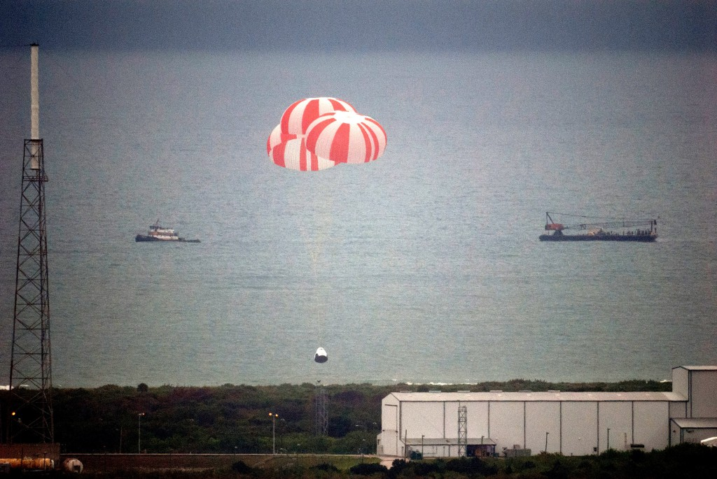 SpaceX Pad Abort Test vehicle parachutes down to the Atlantic Ocean, off the coast of Cape Canaveral Air Force Station May 6.