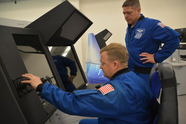 Astronauts Take First Look at Starliner Trainers