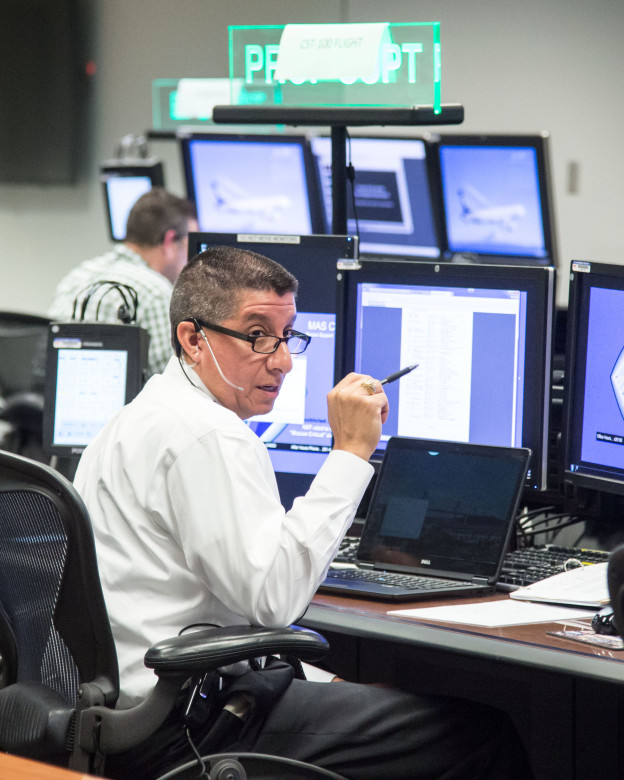 Astronauts, Mission Control Simulate Commercial Crew Flight