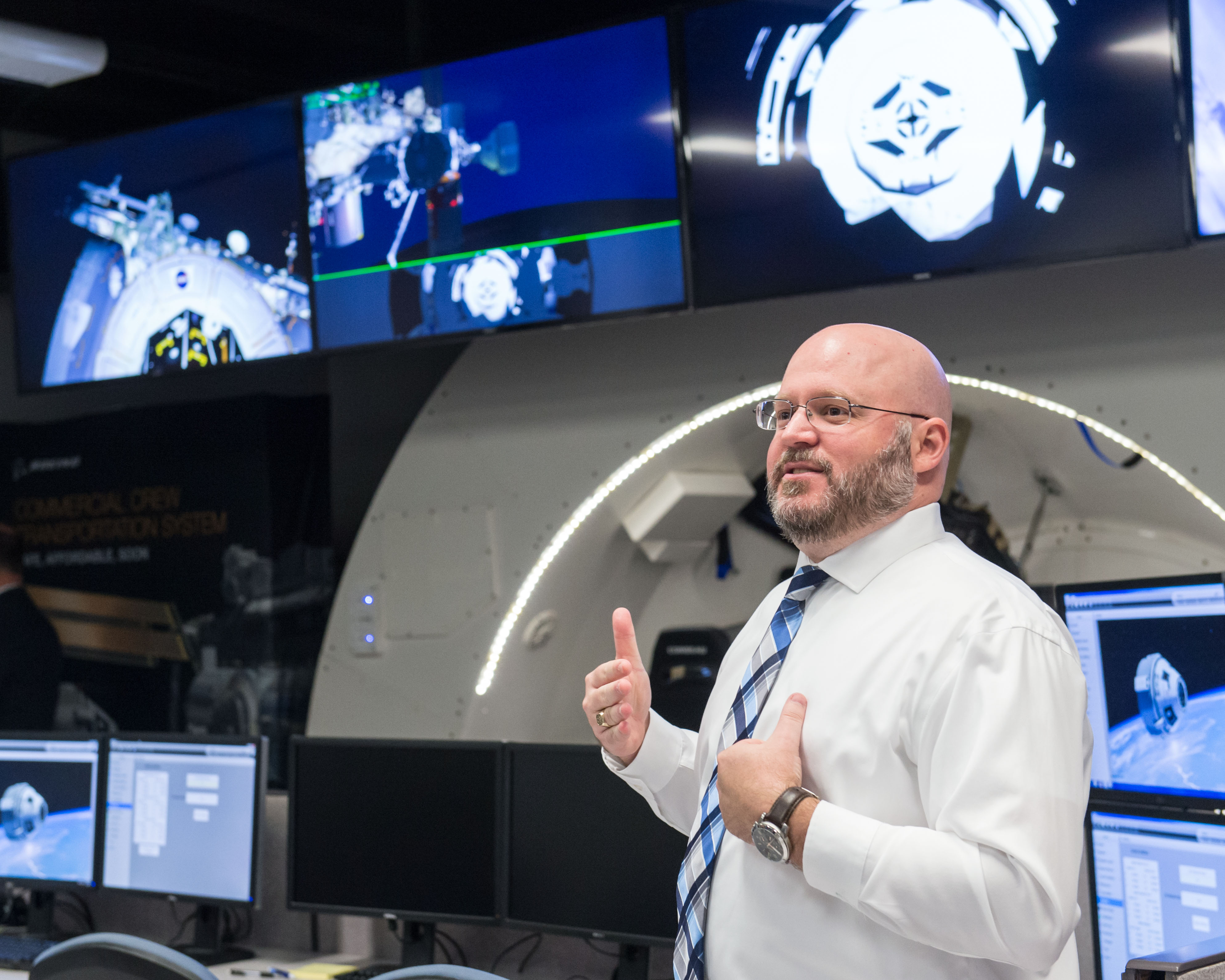 DATE: 6-21-16 LOCATION: 3700 Bay Area Blvd, Houston, TX 77058 SUBJECT: Boeing showing commercial crew training simulations and hosting a ribbon cutting ceremony for the Space Training, Analysis and Review (STAR) Facility. PHOTOGRAPHER: Lauren Harnett
