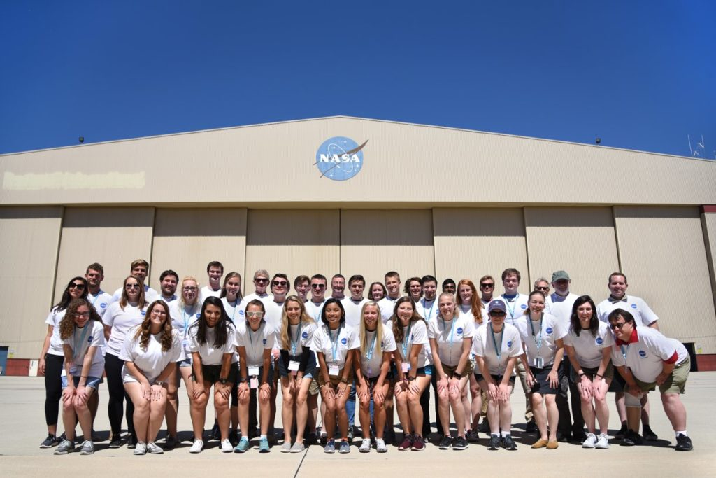 2018 Student Airborne Research Program Interns. Credits: NASA / Megan Schill