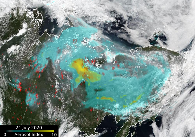 Dense cloud of smoke from Siberian fires covers huge area.