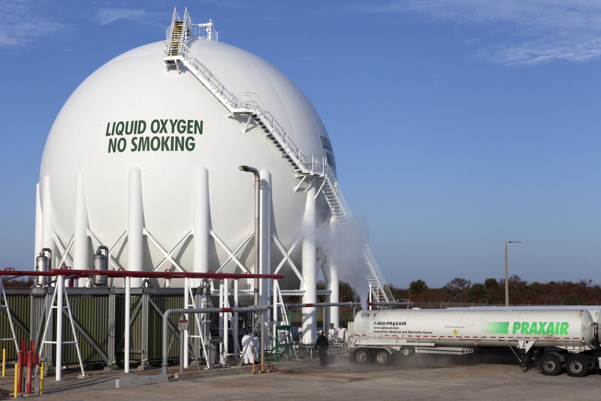 Liquid Oxygen Tanking Operations Begin at Launch Pad 39B
