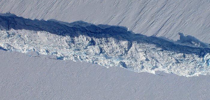 Pine Island Glacier rift