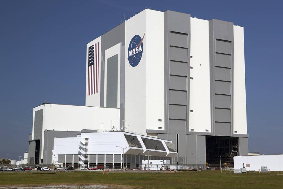 building a nasa spaceship - photo #35