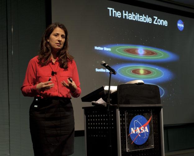 Batalha presenting the habitable zone