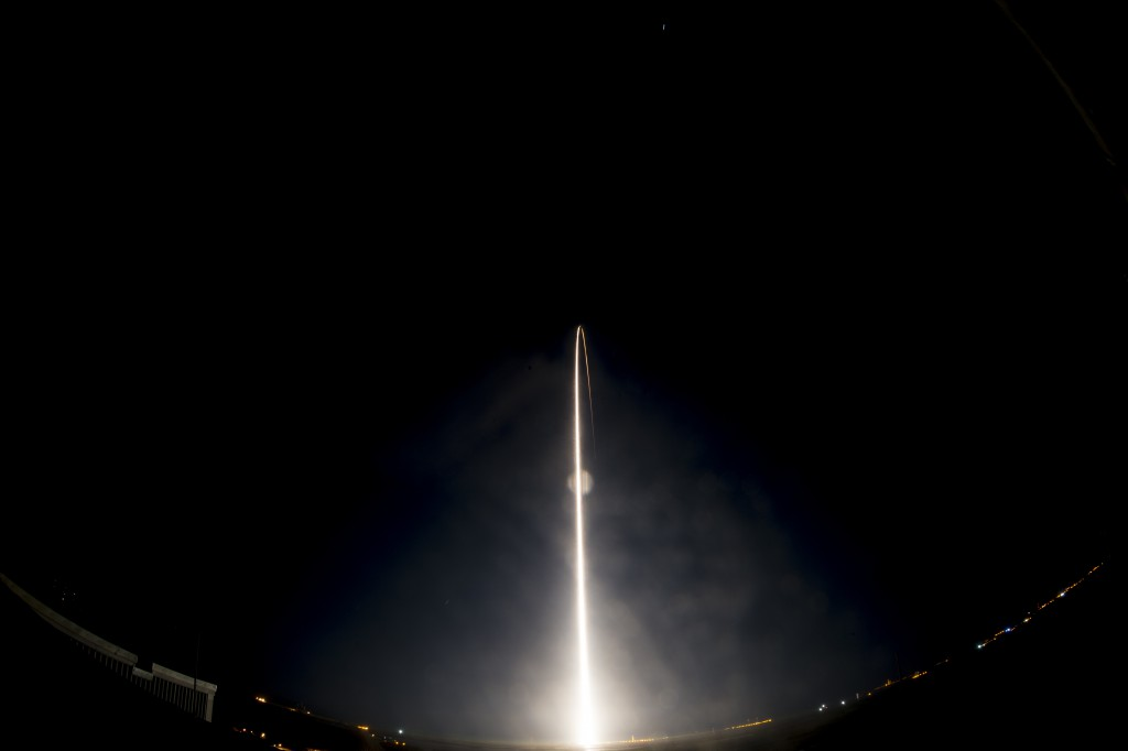 Liftoff of the Atlas V carrying the MMS spacecraft