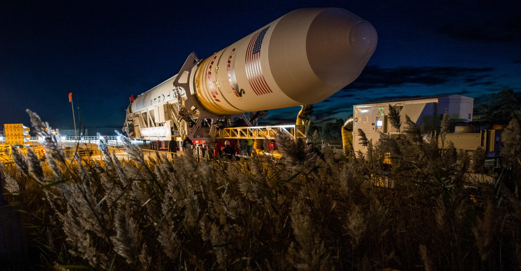 Antares rocket rolls out to launch pad