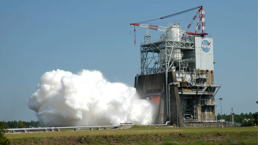 Test of RS-25 Rocket Engine