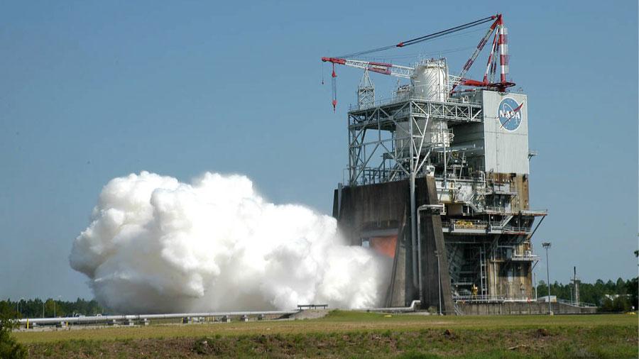 Test of RS-25 Rocket Engine