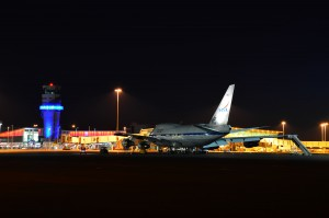 Ground crew working into the night on SOFIA. Photo:  NASA/USRA/SOFIA/Greg Perryman.