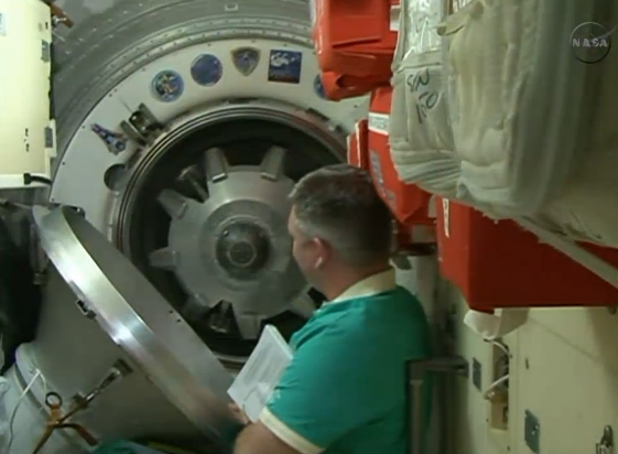 Soyuz Hatches Closed