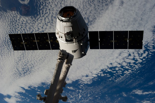 NASA and SpaceX Teams Proceeding to Dragon Capture