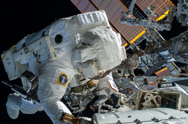 Wilmore and Virts Begin Their Second Spacewalk