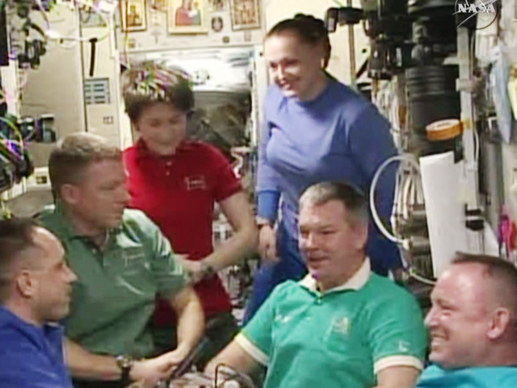 Expedition 42 crew