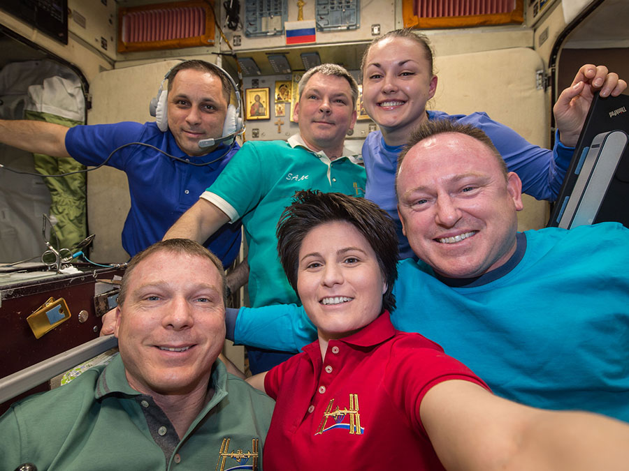 Expedition 42 crew members