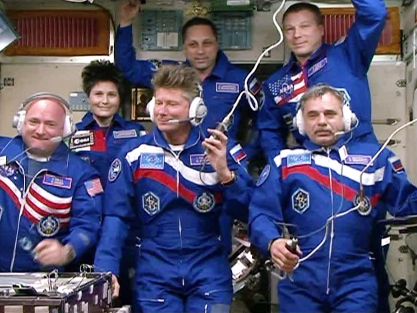Expedition 43 in the Zvezda service module