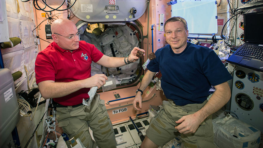 NASA Astronauts Scott Kelly and Terry Virts