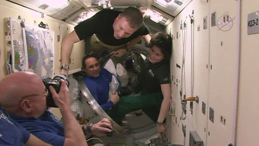 Expedition 43 Says Goodbye