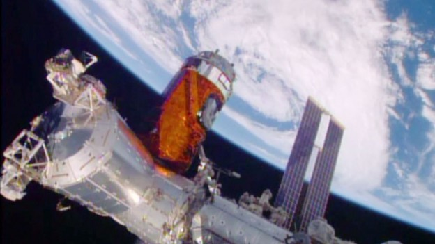 Japan's Cargo Ship Installed on Station