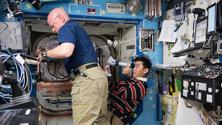 Astronauts Scott Kelly and Kimiya Yui