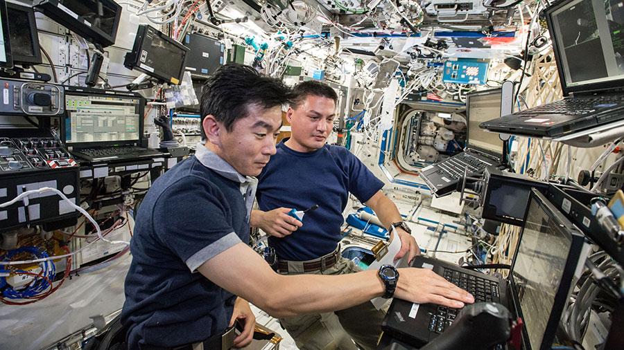 Astronauts Kimiya Yui and Kjell Lindgren