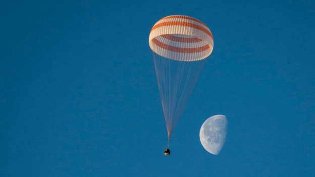Watch Live Coverage Now of Soyuz Spacecraft Landing