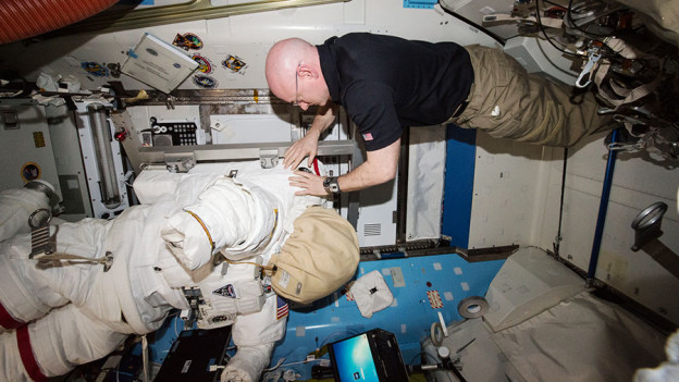 Spacesuit Work Wraps Up as Robotic Arm Preps for Cygnus Release