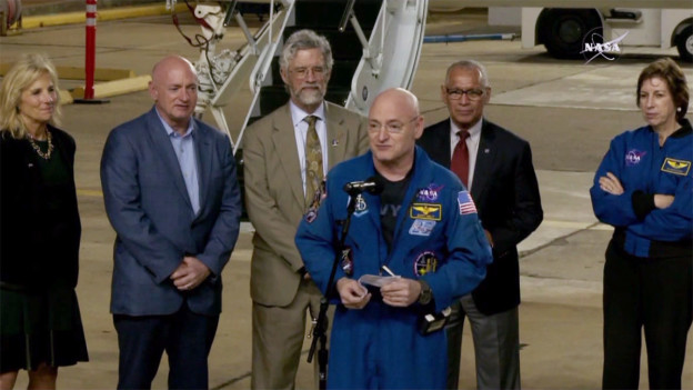Scott Kelly Returns to Houston After Year In Space