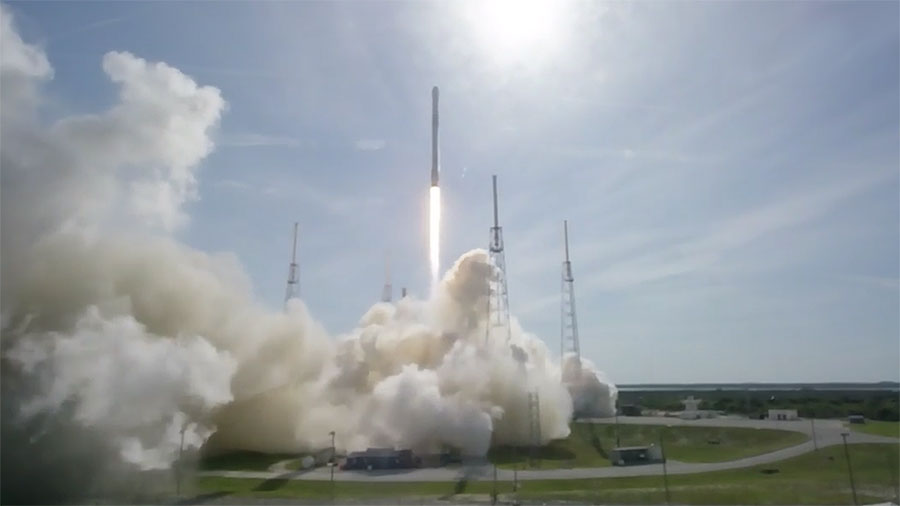 Falcon 9 Rocket Launches With Dragon Spacecraft