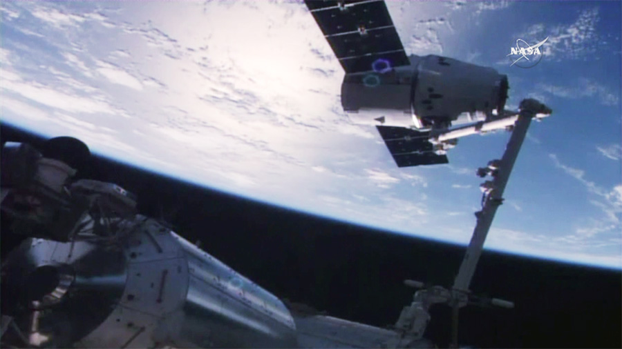 The SpaceX Dragon is Captured