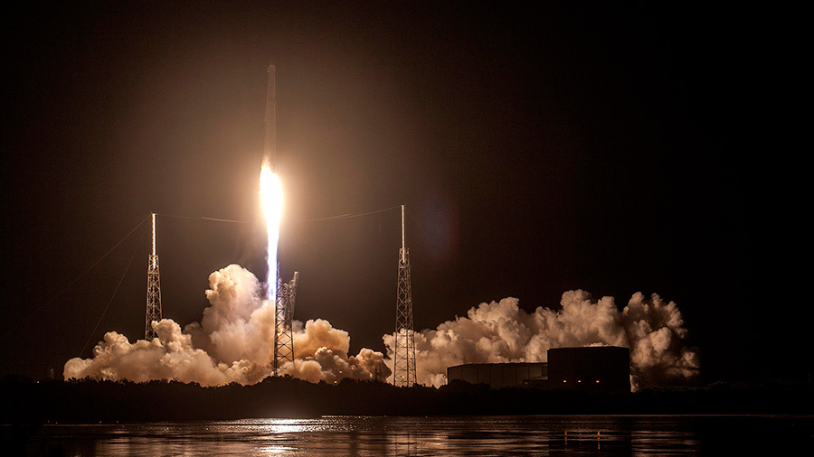 Launch of Dragon on the SpaceX CRS-9 Mission