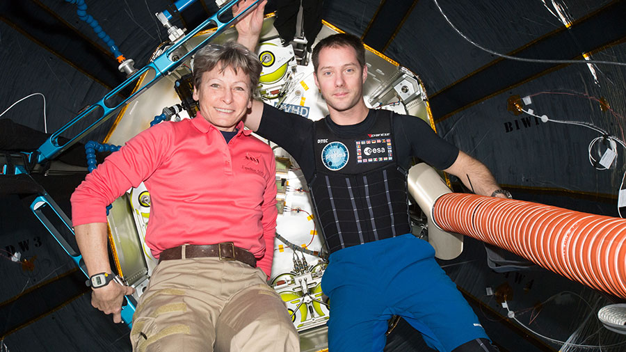 Astronauts Peggy Whitson and Thomas Pesquet