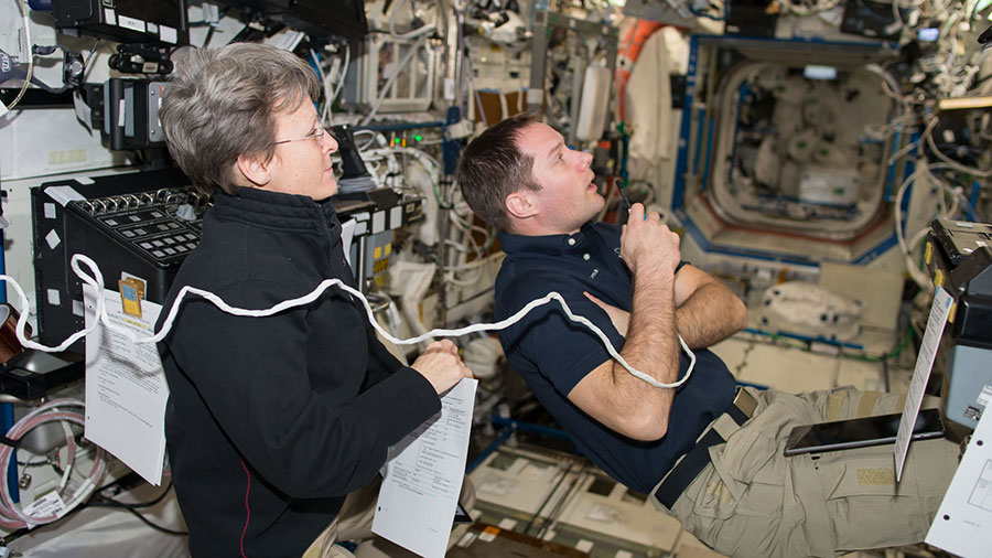 Astronauts Peggy Whitson and Thomas Pesquet