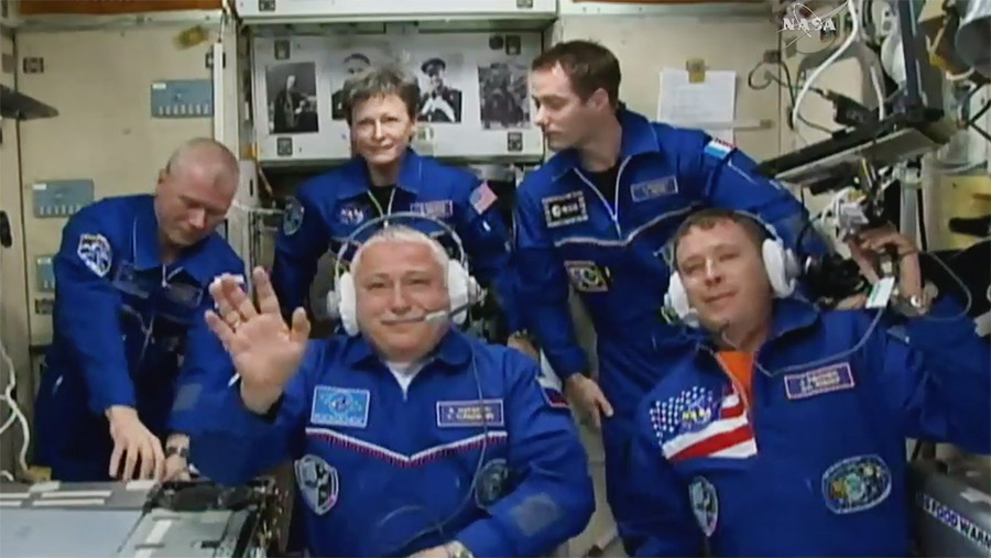 Expedition 51 Crew Greeting Ceremony