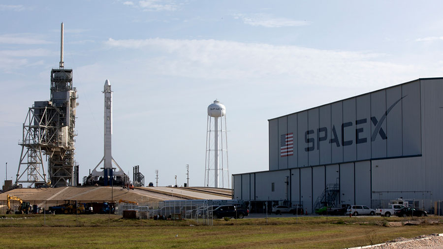 SpaceX Falcon 9 and Dragon at Launch Pad