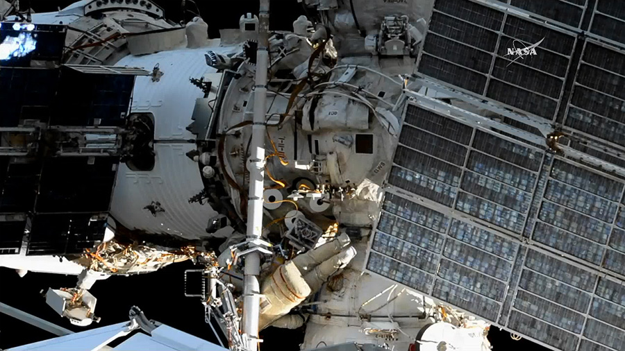 Spacewalkers Fyodor Yurchikhin and Sergey Ryazanskiy