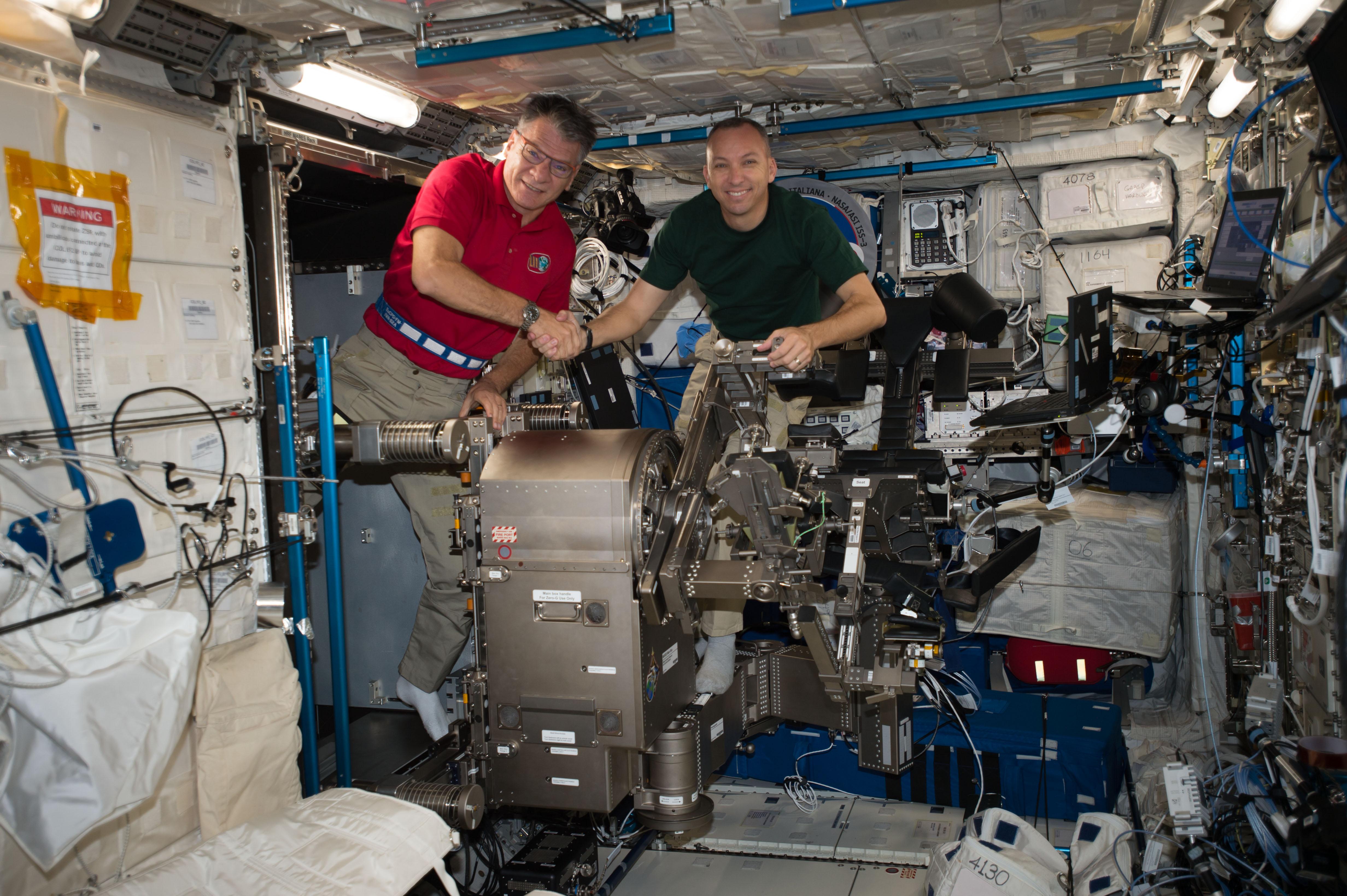 Astronauts Paolo Nespoli and Randy Bresnik