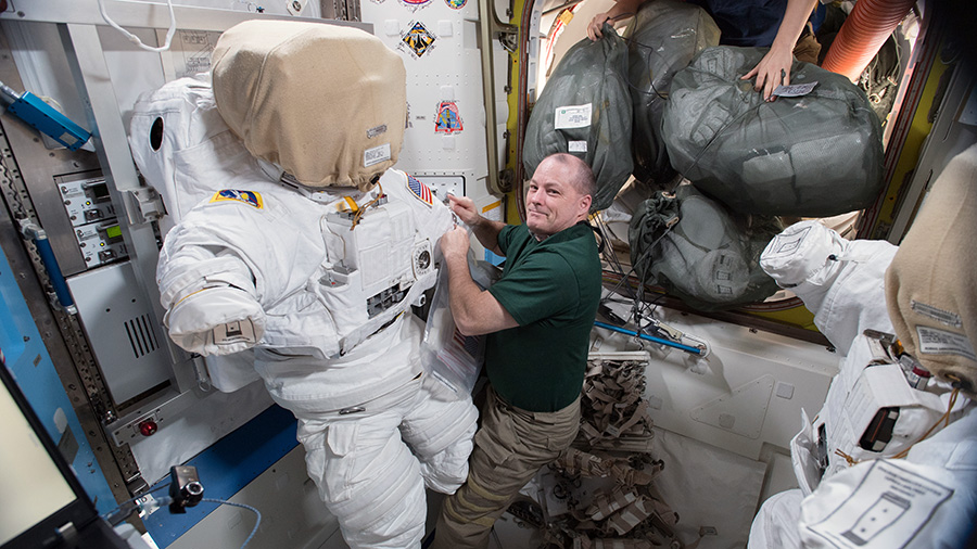 Astronaut Scott Tingle