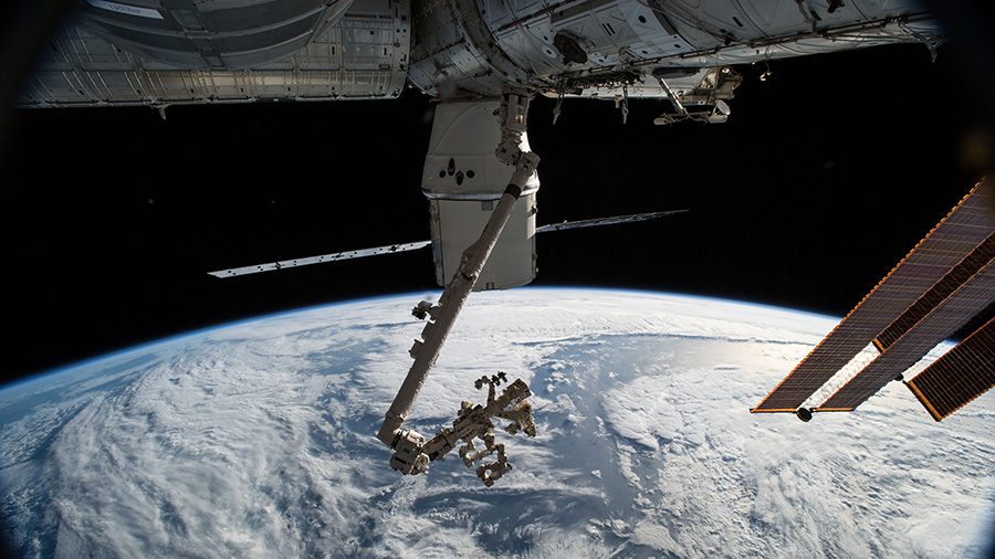 SpaceX Dragon and Canadarm2