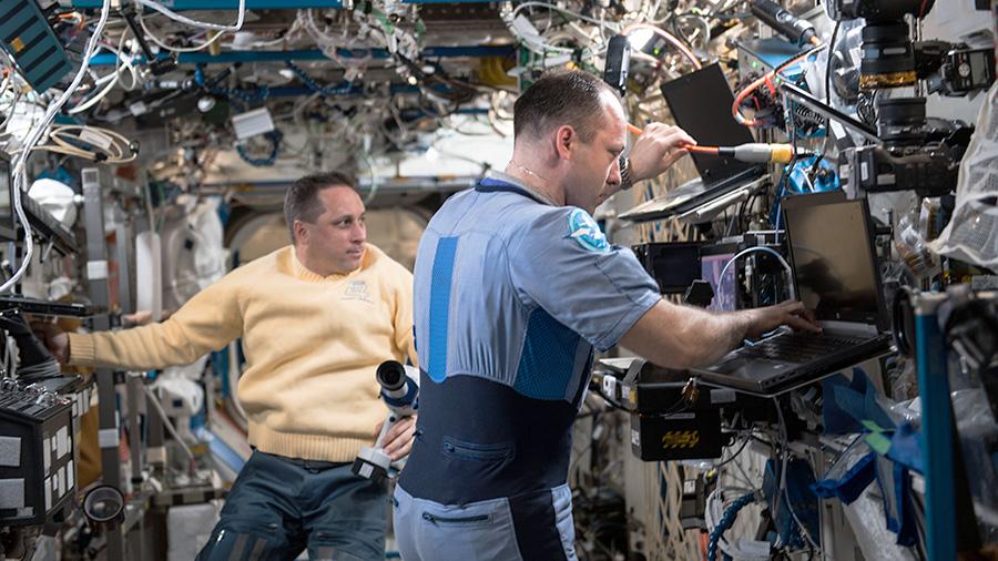 Cosmonauts Anton Shkaplerov and Alexander Misurkin