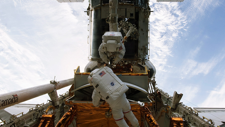 Astronauts Drew Feustel and John Grunsfeld