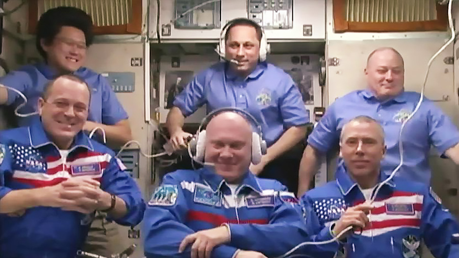 Expedition 55 Crew Greeting Creremony