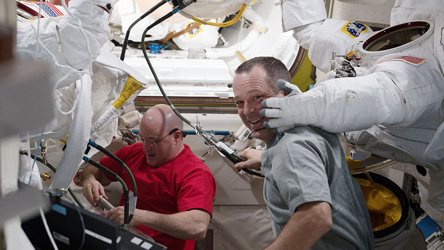 Astronauts Scott Tingle and Ricky Arnold