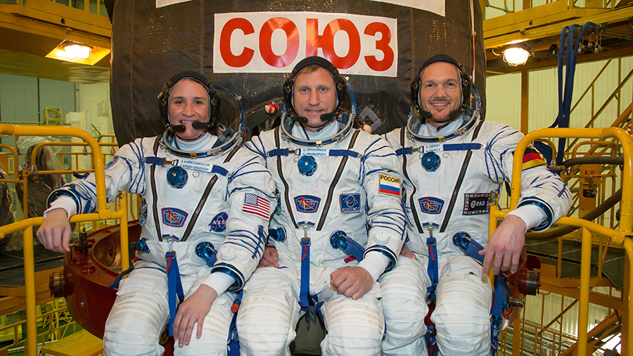Expedition 56 crew members