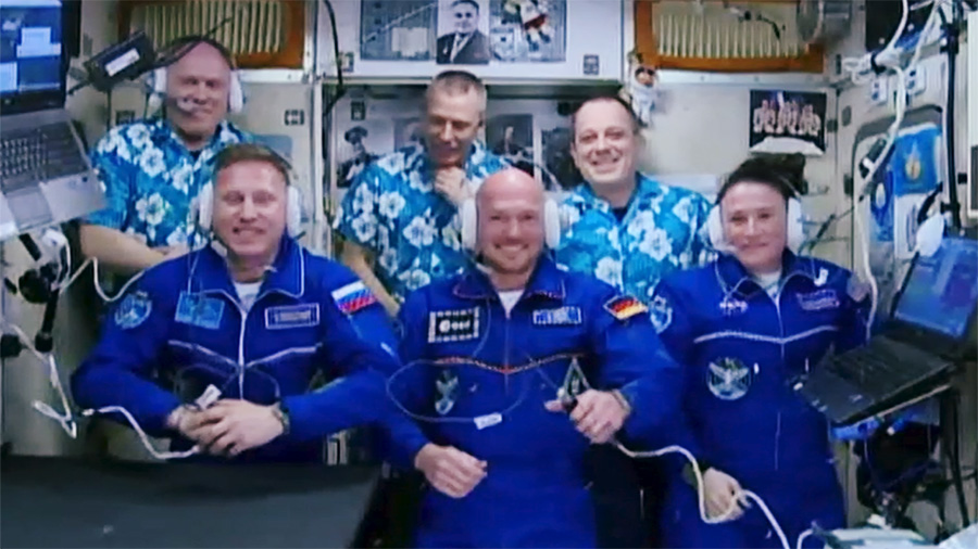 Expedition 56 Crew Greeting