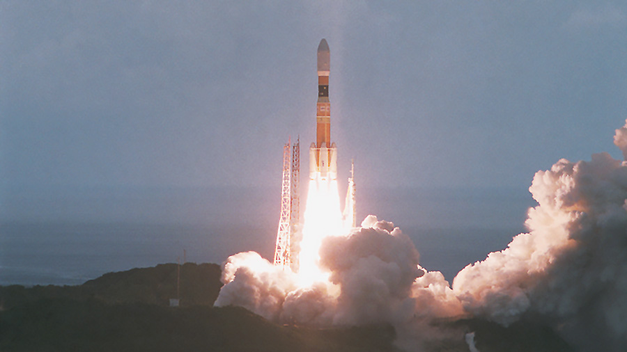 Japan's HTV-3 resupply ship launches aboard an H-IIB rocket